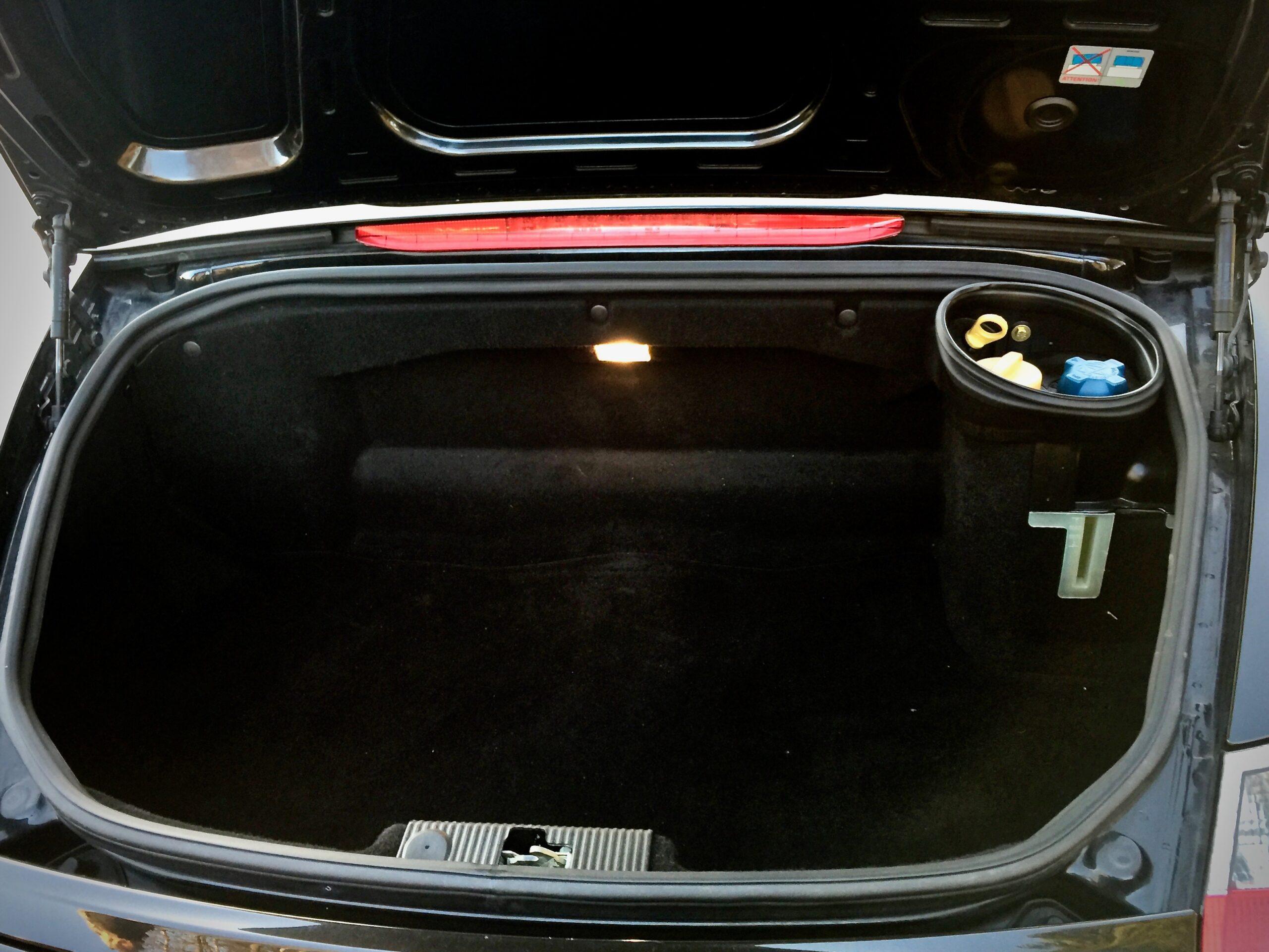 Porsche 2,7 tavaratila