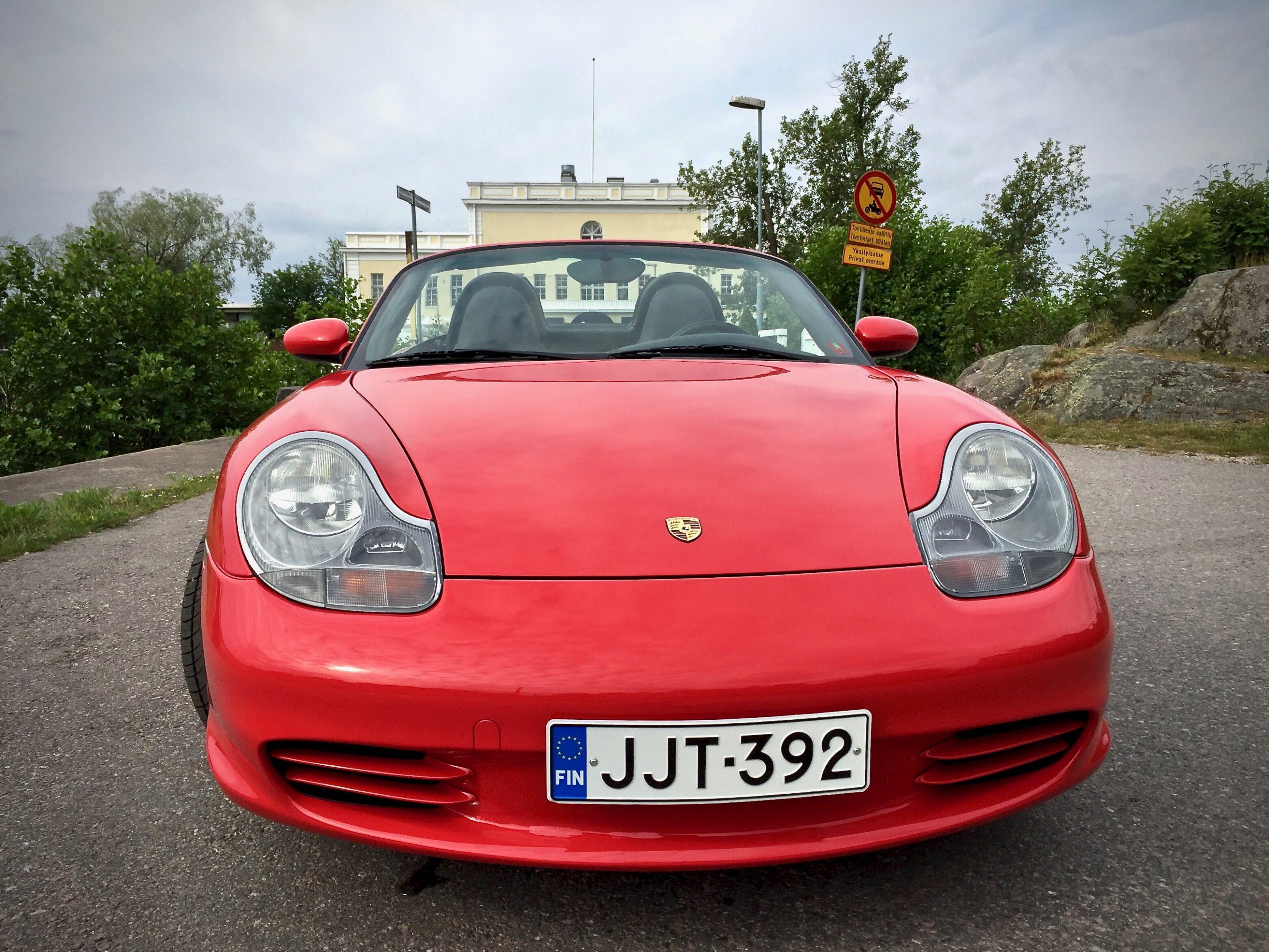 Myytävänä Porsche Boxster etu