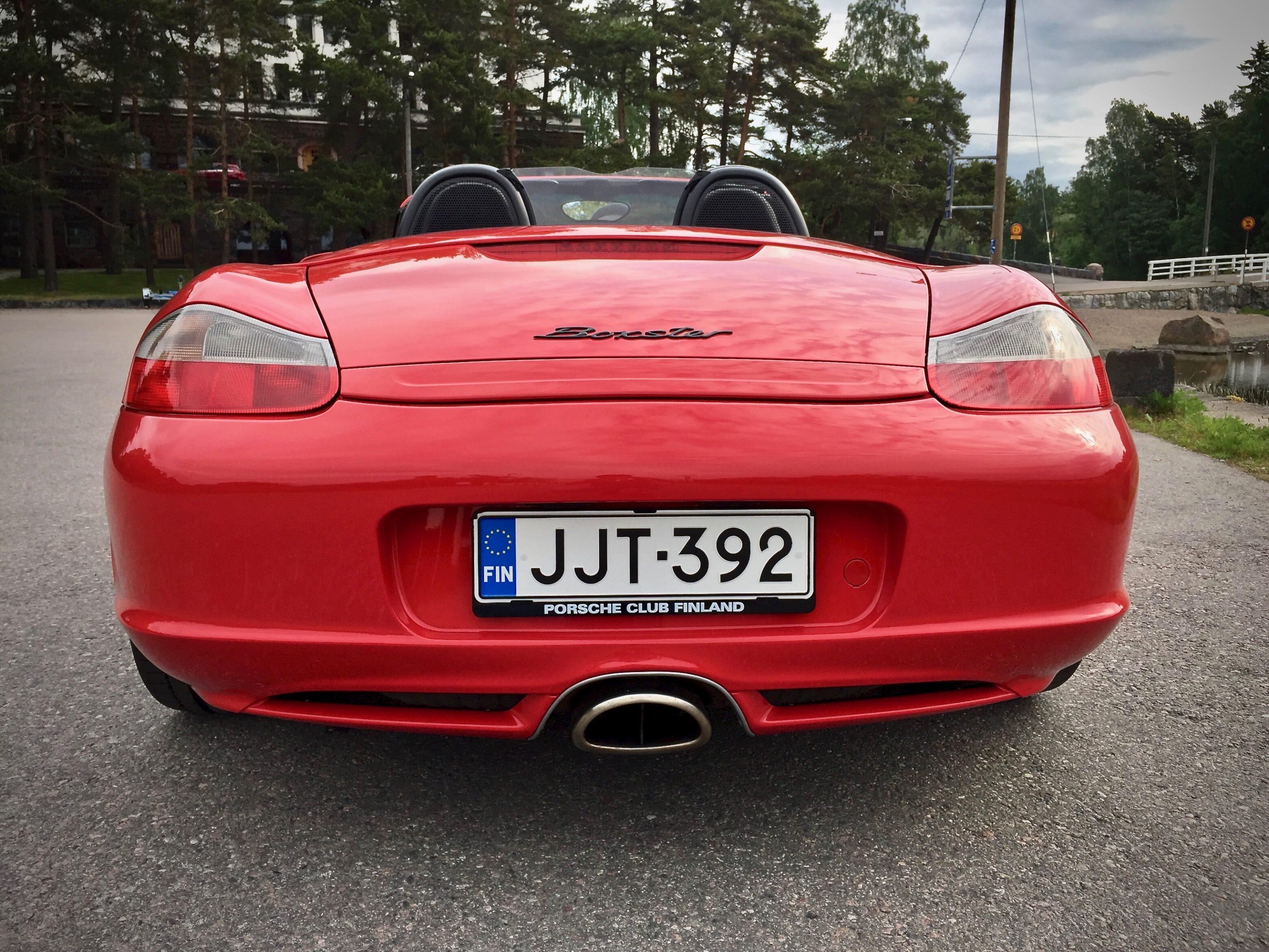 Myytävänä Porsche Boxster taka